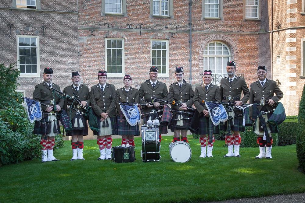 Groepsfoto bij Kasteel Weldam